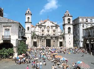 Plaza de la Catedral la habana - plaza catedral habana 300x222 - La Habana vieja y un paseo por sus plazas