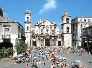 Plaza de la Catedral [object object] - plaza catedral habana 300x222 - La Habana vieja y un paseo por sus plazas