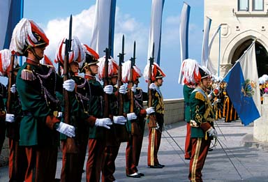Ceremonia del cambio de Guardia di Rocca san marino - Cerimonia Guardia di Rocca - San Marino, pinceladas de un pequeño país