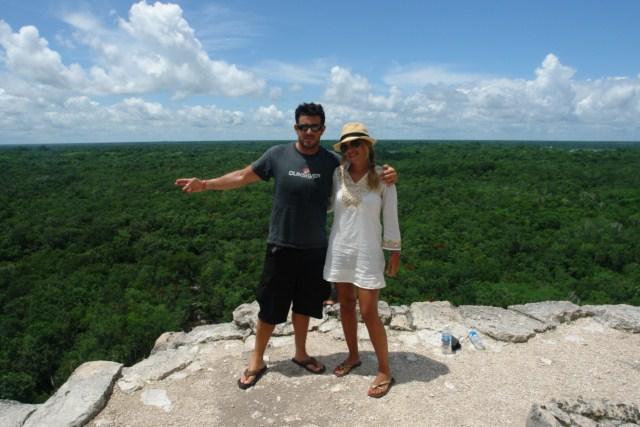 La dura y agotadora subida merece la pena, las vistas a la selva de Yucatán son increíbles, donde se pueden ver los otros templos de Cobá sobresaliendo de la vegetación. cobá, la apocalíptica ciudad del fin del mundo - DSC02323 - Cobá, la apocalíptica ciudad del fin del mundo