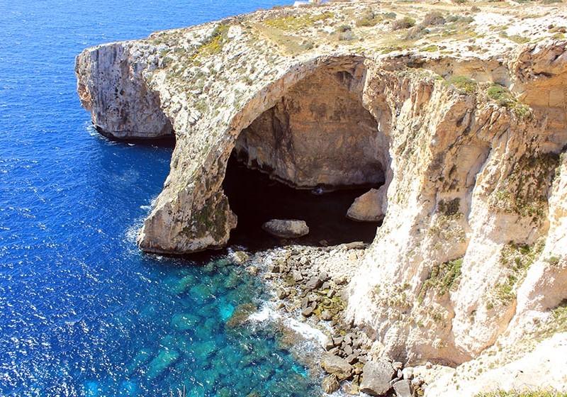 Blue Grotto de Malta, capricho artístico mediterráneo - blue grotto malta 800x560 - Blue Grotto de Malta, capricho artístico mediterráneo