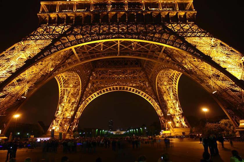 parís - paris torre eiffel - Cosas que NO debes hacer en París como turista