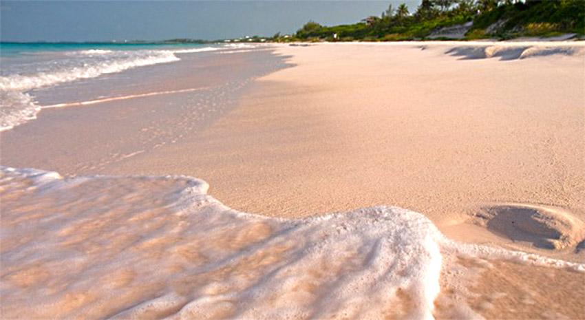 bahamas - pink beach bahamas - Islas Bahamas, cómo moverse y qué no perderse