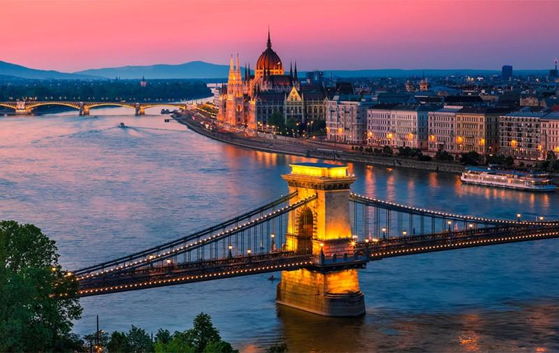 budapest en un fin de semana - budapest sunset 800x505 - Qué ver en Budapest en un fin de semana