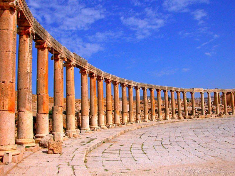 jerash, la roma de jordania - portada Oval plaza en Jerash 800x600 - Jerash, la Roma de Jordania