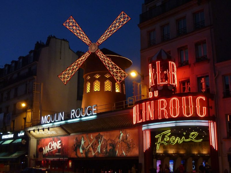what to see in paris in a weekend - moulin rouge 392147 1280 800x600 - What to see in Paris in a weekend ?