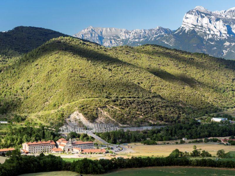hotel barceló monasterio de boltaña - Hotel Barcel   Monasterio de Bolta  a HUESCA 800x600 - Hotel Barceló Monasterio de Boltaña, lujo entre naturaleza e historia