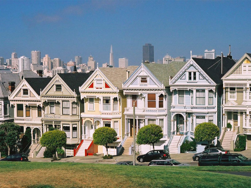 que ver en san francisco - painted ladies san francisco 800x600 - 10 lugares mágicos que ver en San Francisco, California