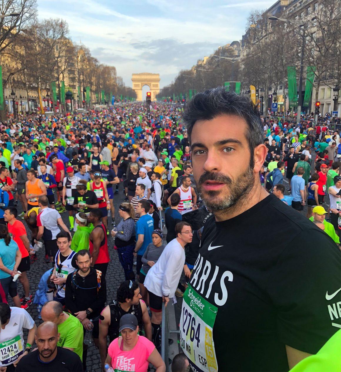 Maratón de París - Paris Marathon maratón de parís - maraton de paris marathon B 1160x1268 - Maratón de París: análisis, recorrido, entrenamiento y recomendaciones de viaje