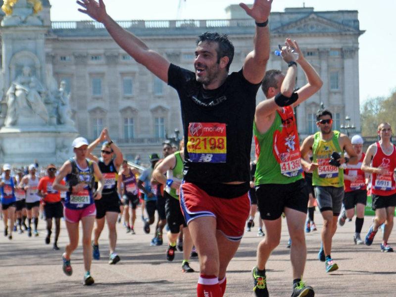 maratón de londres - london marathon maraton de londres 2019 02 800x600 - Correr el Maratón de Londres: análisis, recorrido y recomendaciones de viaje.