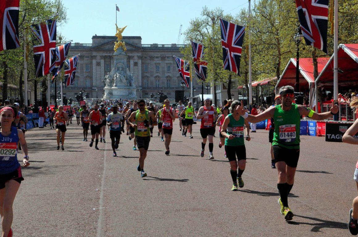 maratón de Londres maratón de londres - london marathon maraton de londres 2019 05 1160x770 - Correr el Maratón de Londres: análisis, recorrido y recomendaciones de viaje.