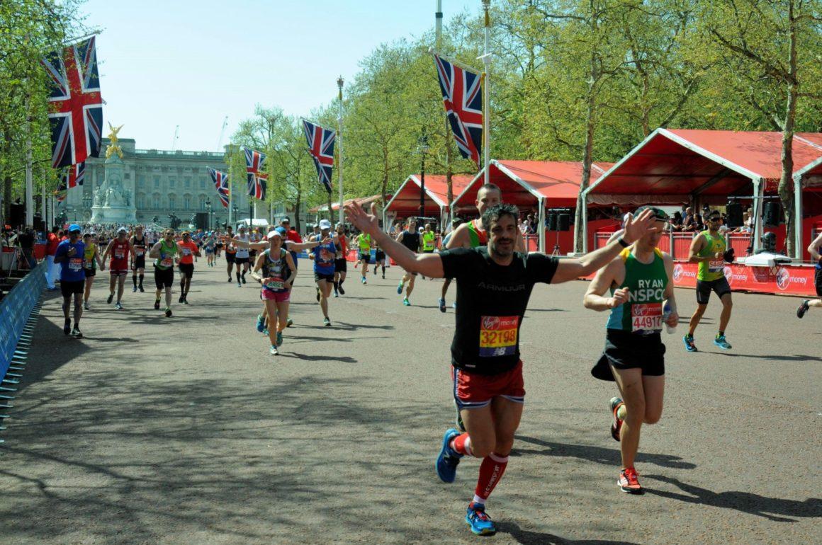 maratón de Londres maratón de londres - london marathon maraton de londres 2019 07 1160x770 - Correr el Maratón de Londres: análisis, recorrido y recomendaciones de viaje.
