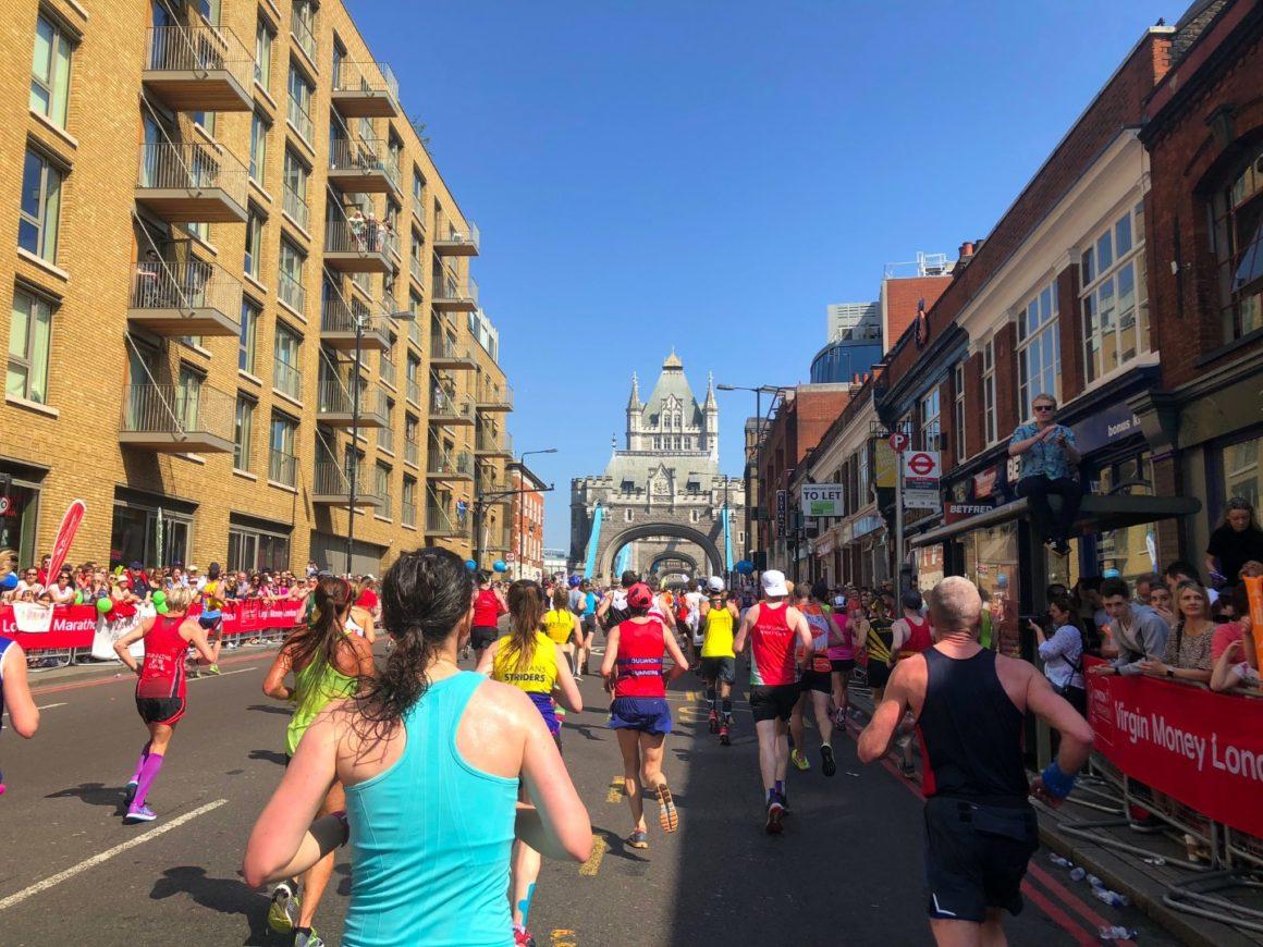maratón de Londres maratón de londres - london marathon maraton de londres 2019 10 1160x870 - Correr el Maratón de Londres: análisis, recorrido y recomendaciones de viaje.
