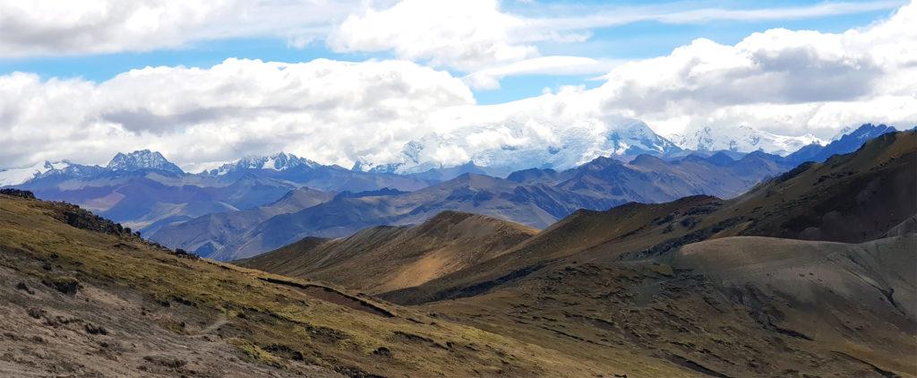 montaña arcoiris montaña arcoiris - montana colores palcoyo vinicunca peru cusco 03 1024x422 - Montaña Arcoiris de Perú, naturaleza multicolor