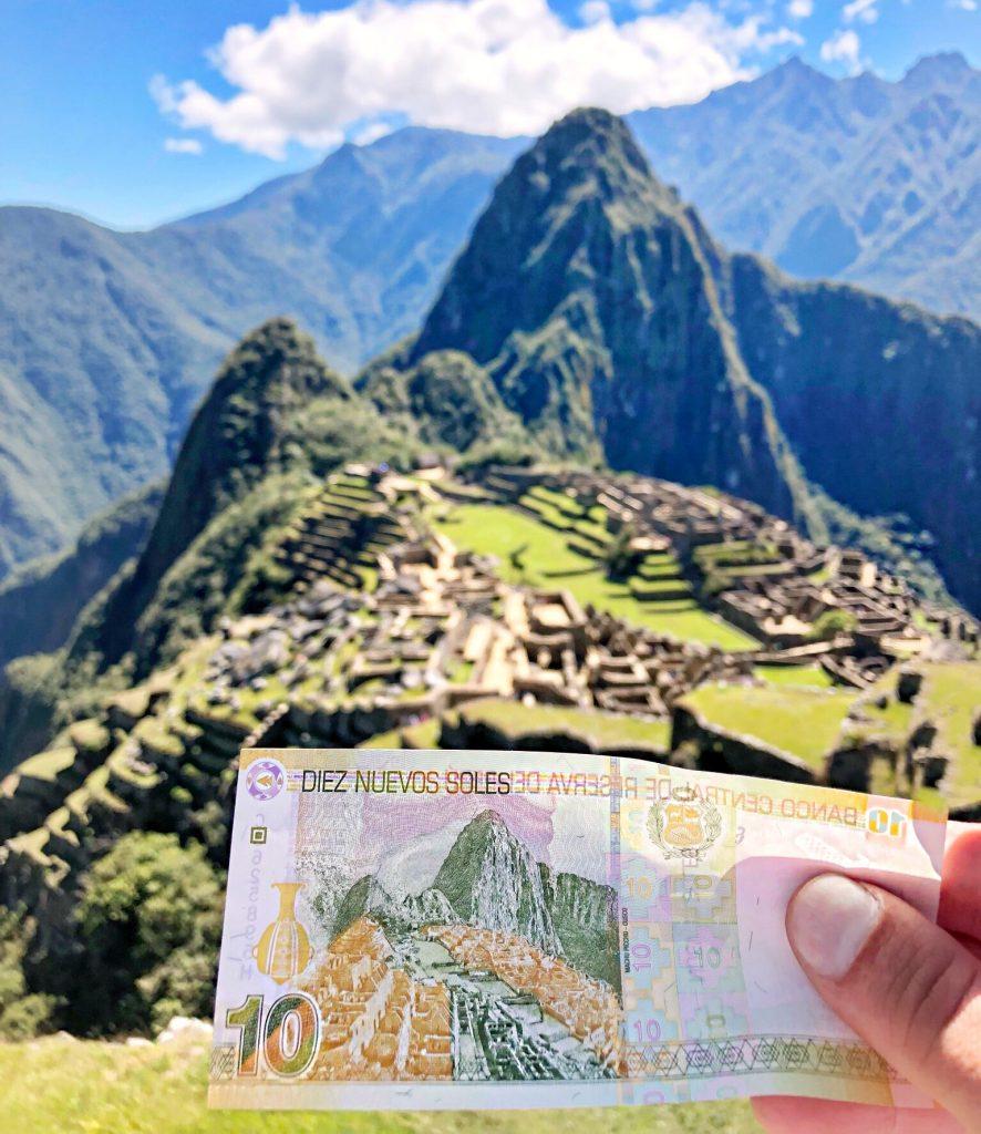 Machu Picchu Peru Aguas Calientes machu picchu - Machu Picchu Peru Aguas Calientes 30 886x1024 - Machu Picchu, un sueño cumplido