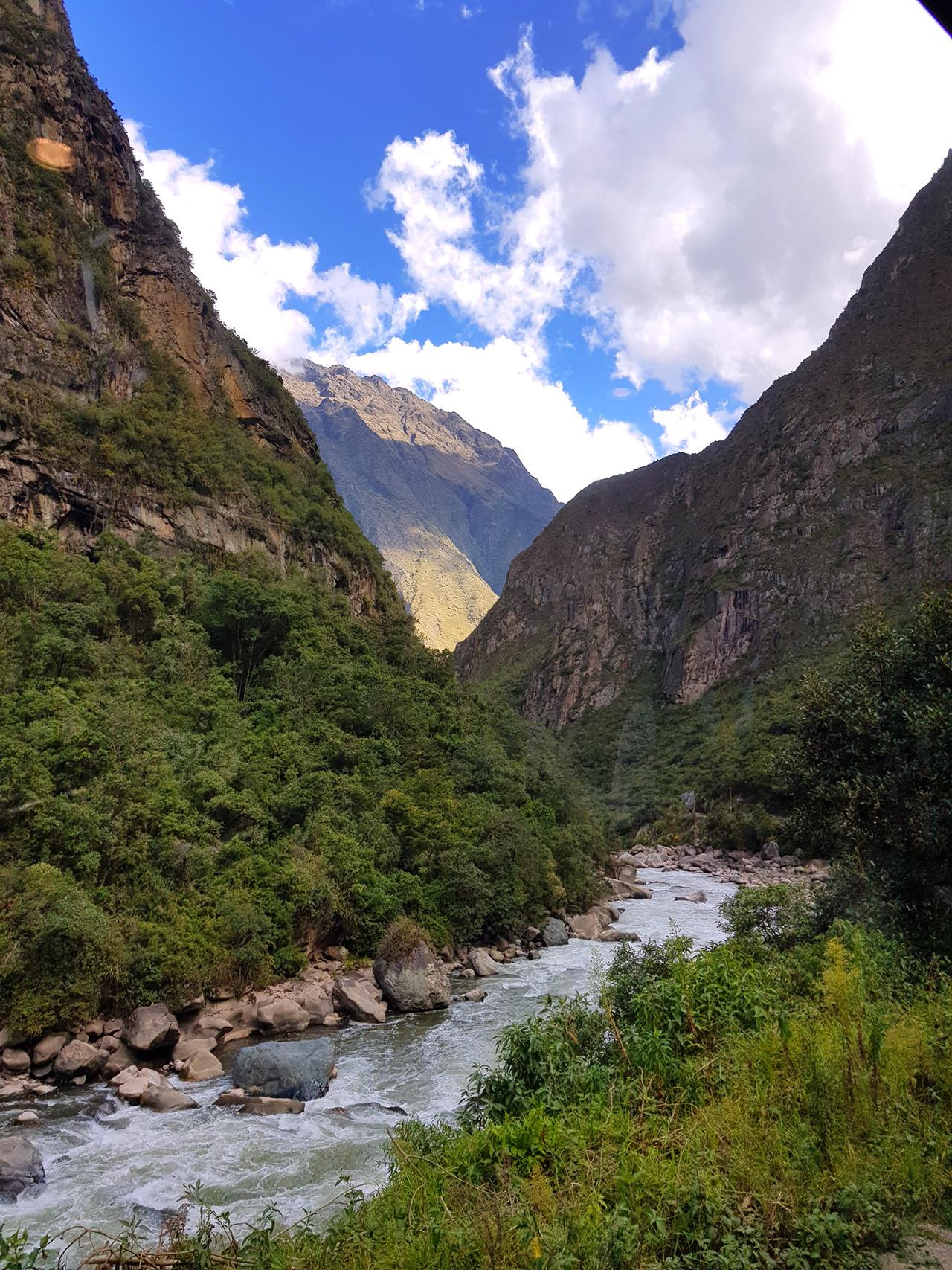 aguas calientes machu picchu pueblo perurail peru aguas calientes - aguas calientes machu picchu pueblo perurail peru 01 - Aguas Calientes, el extraño pueblo de Machu Picchu