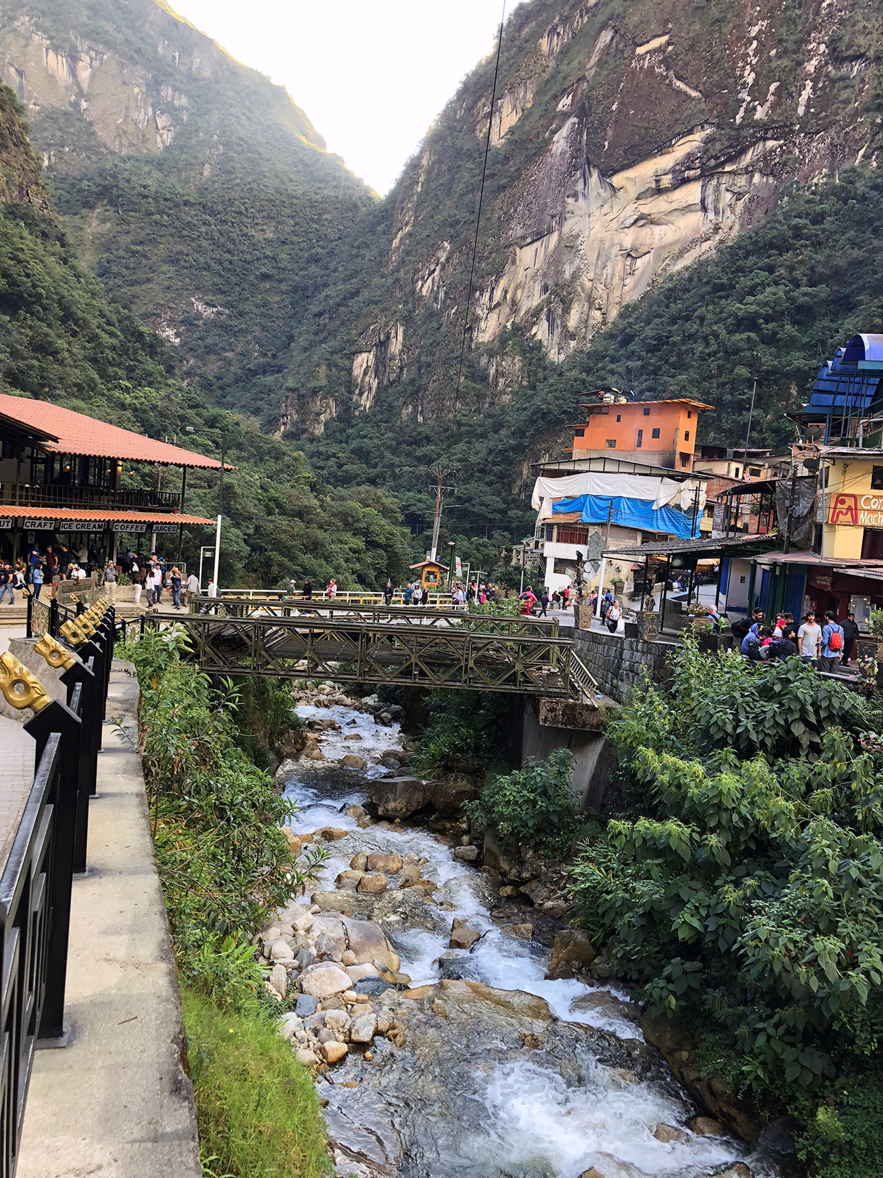 aguas calientes machu picchu pueblo perurail peru aguas calientes - aguas calientes machu picchu pueblo perurail peru 22 - Aguas Calientes, el extraño pueblo de Machu Picchu