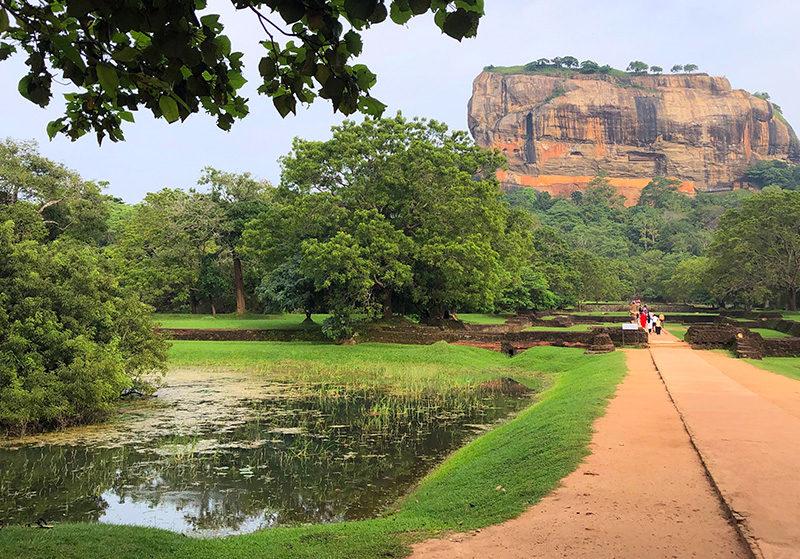 roca de sigiriya - portada Sigiriya Sri Lanka Lion Rock Roca Leon 800x559 - Roca de Sigiriya, la roca del león de Sri Lanka
