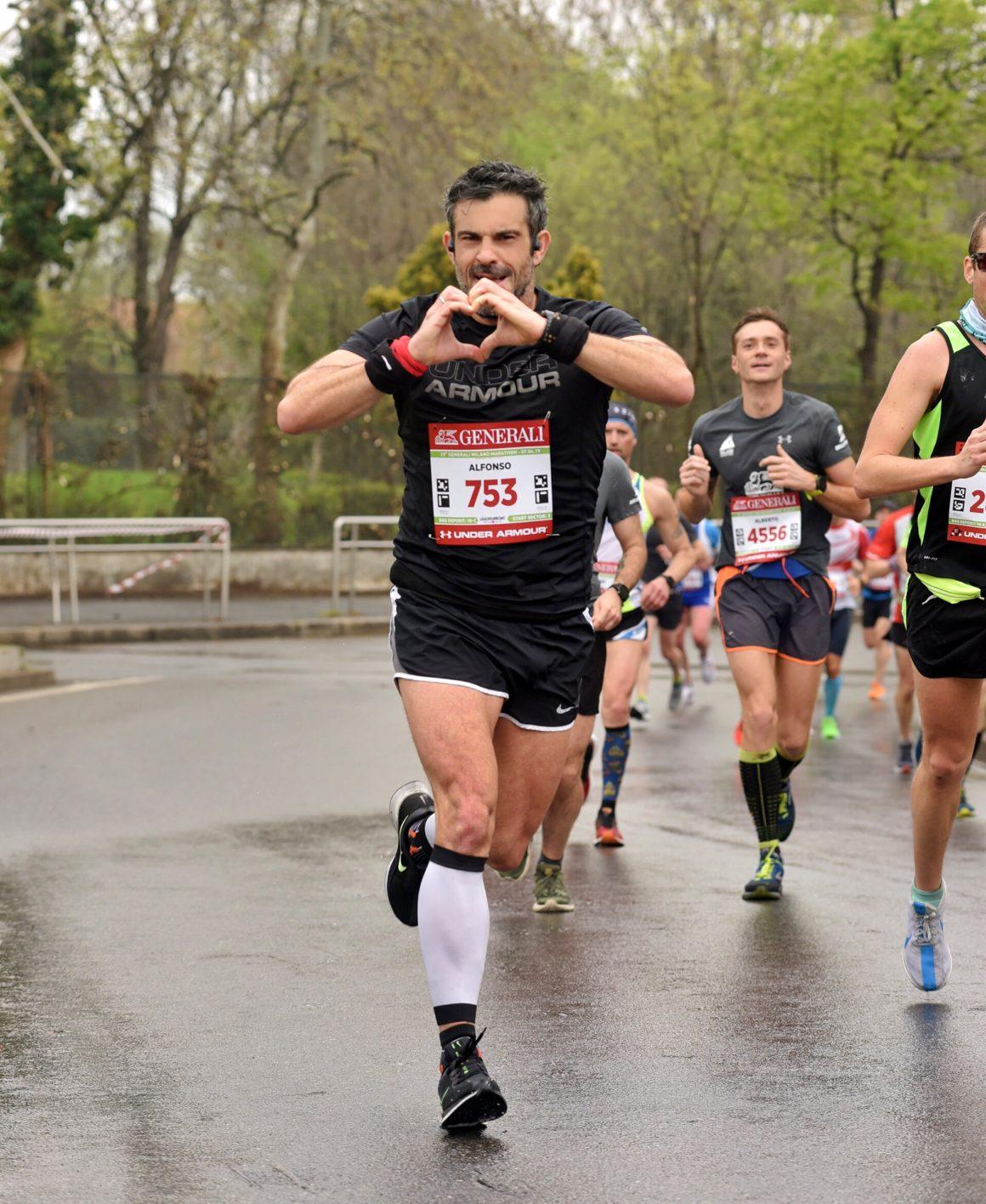 Maratón de Milán - Milan Marathon Maratona maratón de milán - maraton de milan milano maratona marathon italy italia 12 1160x1416 - Maratón de Milán: análisis, recorrido, entrenamiento y recomendaciones de viaje