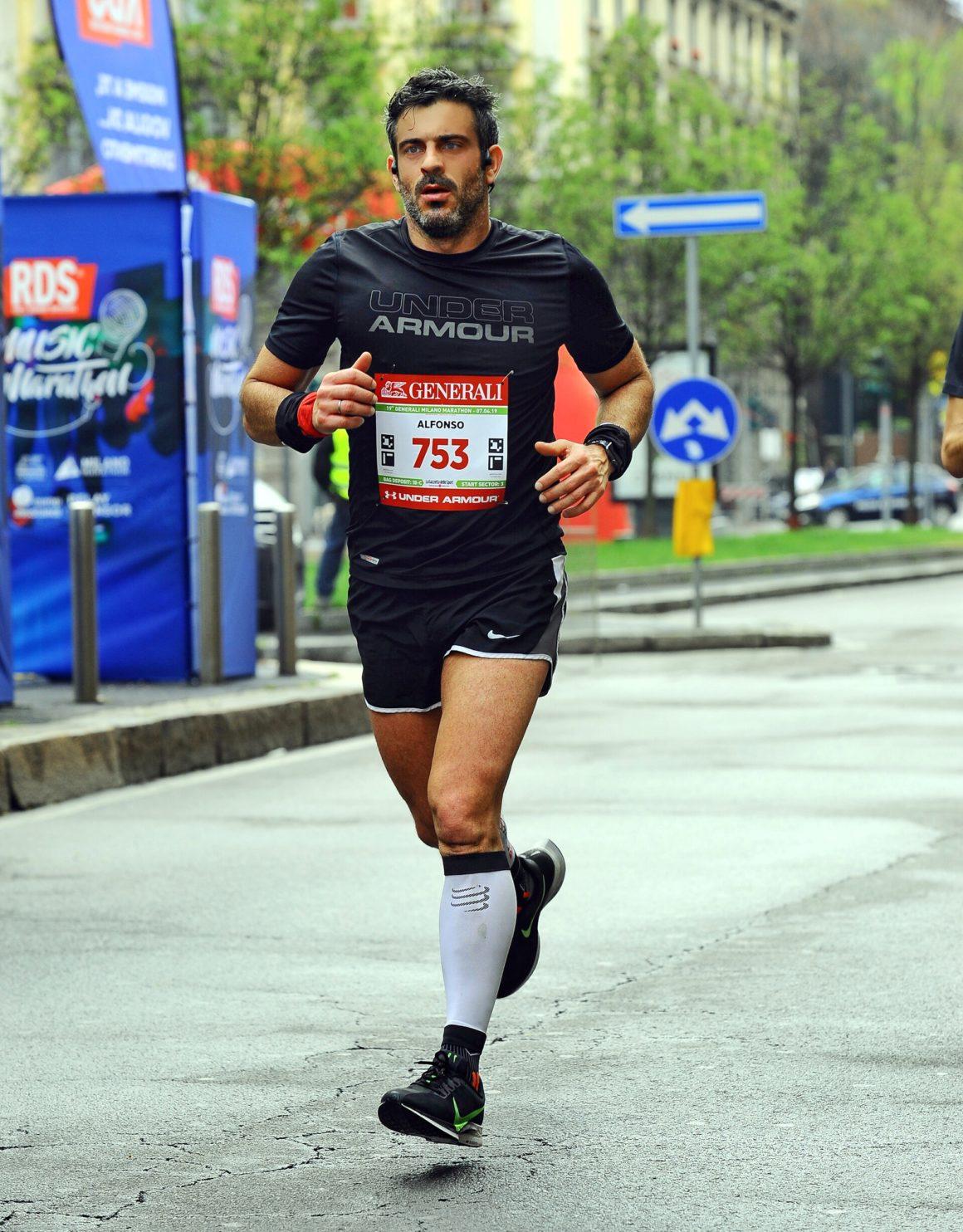 Maratón de Milán - Milan Marathon Maratona maratón de milán - maraton de milan milano maratona marathon italy italia 13 1160x1484 - Maratón de Milán: análisis, recorrido, entrenamiento y recomendaciones de viaje