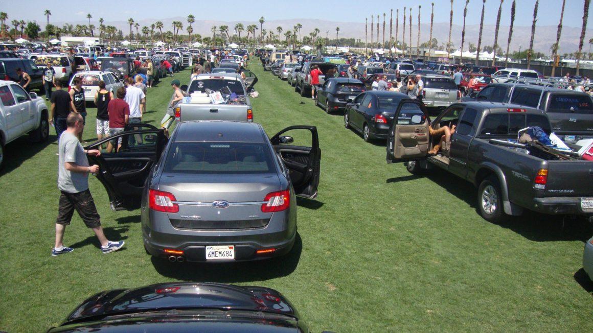 que hacer en Palm Springs, California, Coachella - Thewotme que hacer en palm springs - parking lot 234263 1920 1160x652 - Las mejores cosas que hacer en Palm Springs