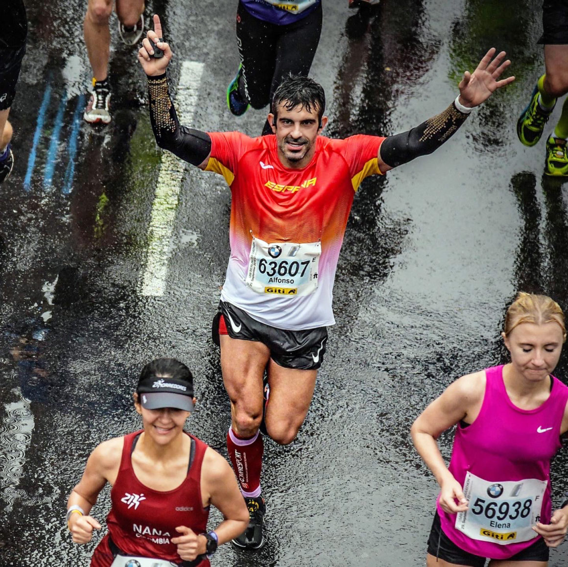 maratón de berlín - correr el marat  n de berl  n berlin marathon course record thewotme sorteo 2 1160x1158 - Correr el Maratón de Berlín: Análisis, recorrido, entrenamiento e inscripciones